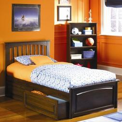 Brooklyn Platform Bed with Raised Panel Drawers in Caramel L