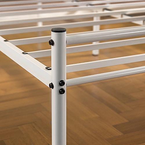 Zinus Geraldine 12 White Platform Bed Footboard,